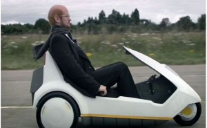 Clive Sinclair rides off into the sunset