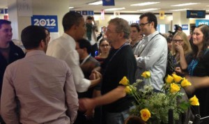 Barack Obama shakes hands with Mark Pelczarski, November 7, 2012